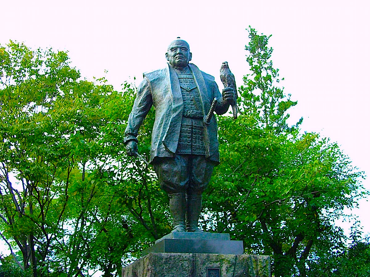 駿府公園「徳川家康公の像」